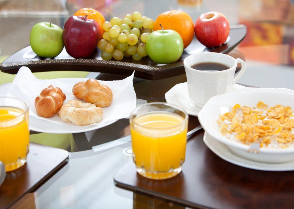 טיפול במערכת העיכול באמצעות שינוי בתזונה בלבד, ללא תוספים - אפרת סטביצקי